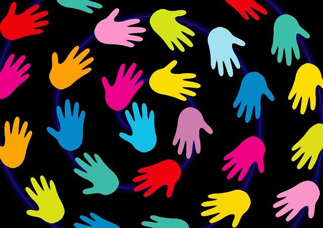 Desenho de mãos coloridas